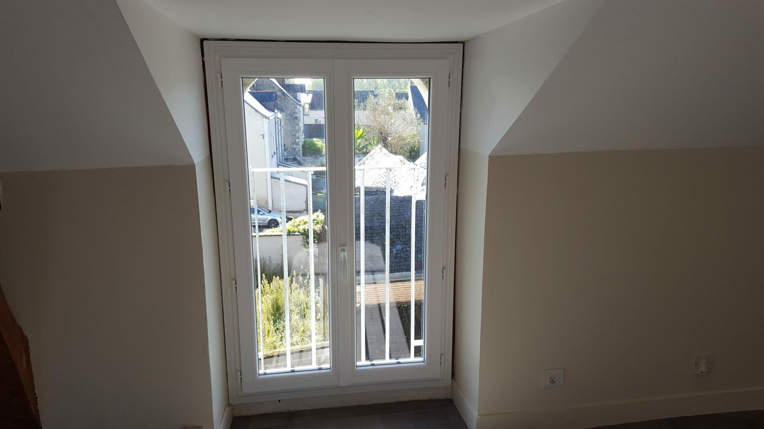 Fenêtre changée dans l'immeuble à 0 €