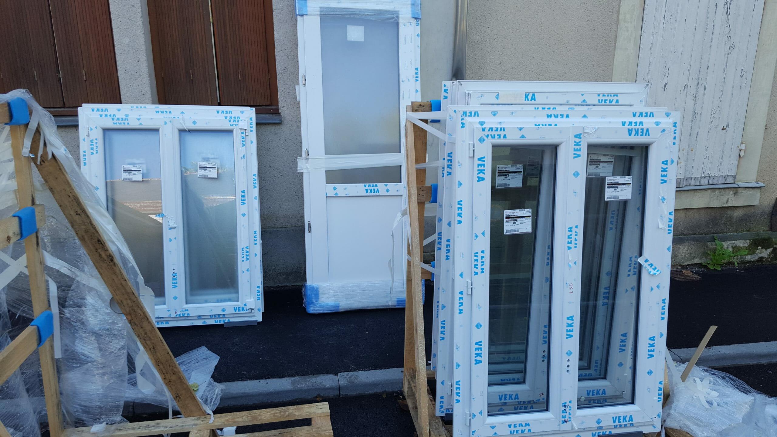 Nouvelles fenêtres dans l'immeuble à 0 €