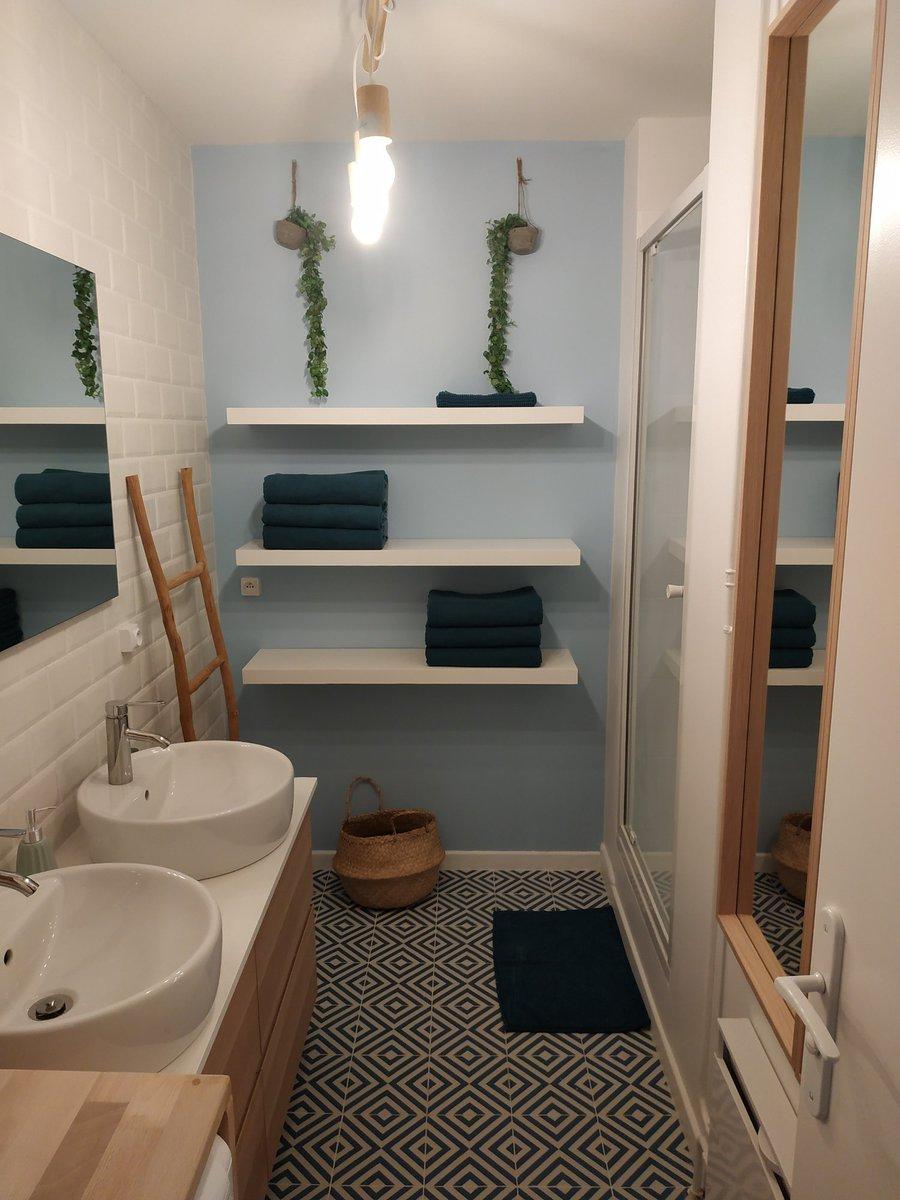 Une salle de bain après travaux dans une colocation de Paul